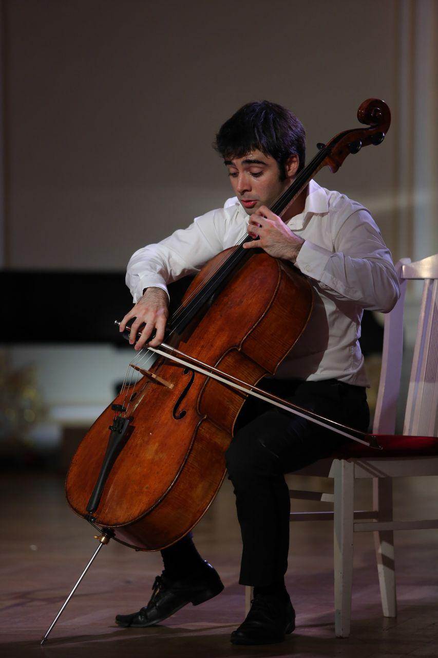 pablo ferrández cello